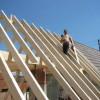 Mai 06 - Aufschlagen eines Dachgebälks bei 30 Grad im Schatten