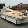 Mai 2011 - Materialtransport von Konstruktionsvollholz. Wir stellen unsere Dächer selbst in eigenen Werkstätten her.