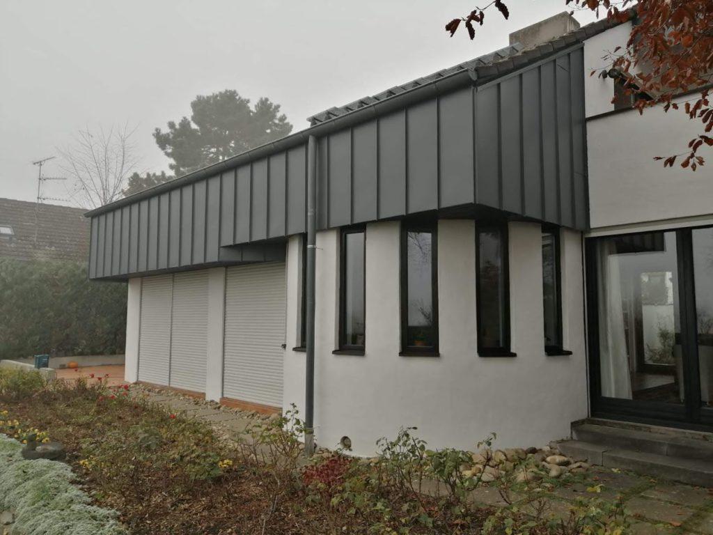Dezember 2019 Stehfalz-Fassadenverkleidung aus hochwertigem Stahlblech